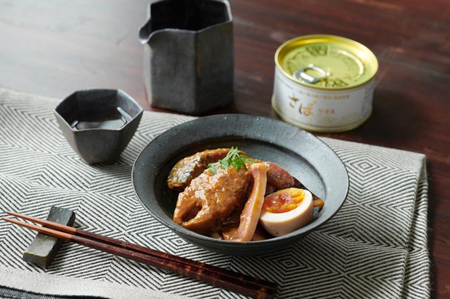 鯖缶味噌煮イカと煮卵添え